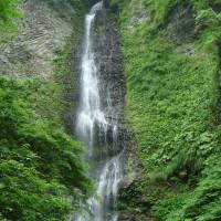 降る滝(女神山系滝2012.07.24)