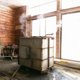 地熱染色に不可欠な「蒸気釜」(イメージ)